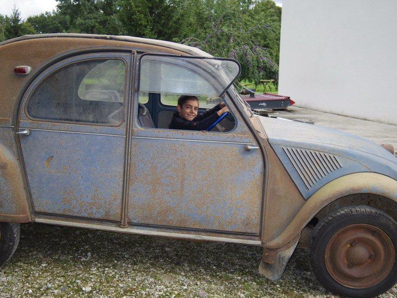 donne voiture a restaurer renault juvaquatre juva 4 dauphinoise 1956 restaurer voitures dr me. Black Bedroom Furniture Sets. Home Design Ideas